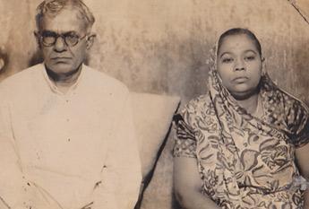 Prabhulal Dwivedi with wife, Damyantiben
